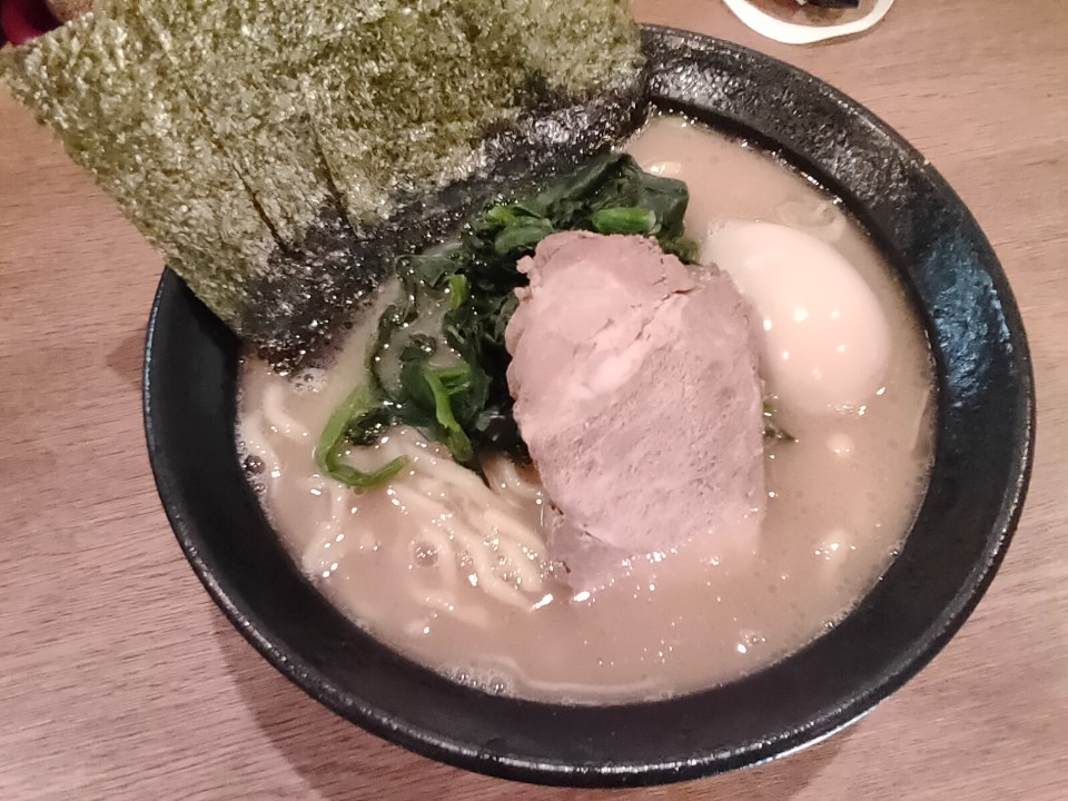 横浜ラーメン弐七家 弥生台店の口コミ