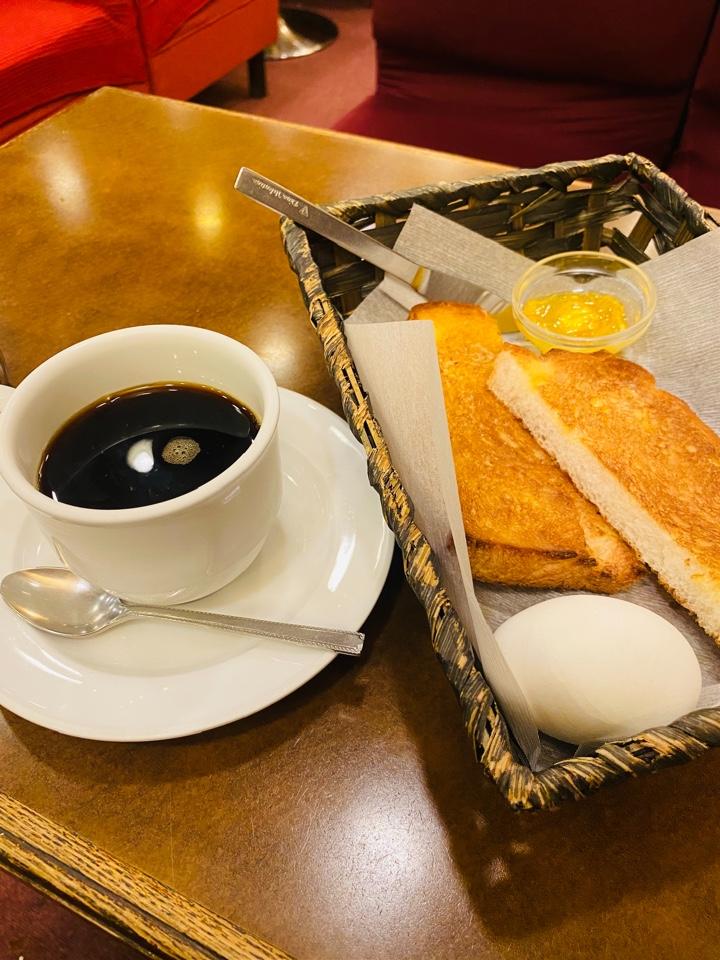 カフェ・ド・ルノン Cafe de RENOM