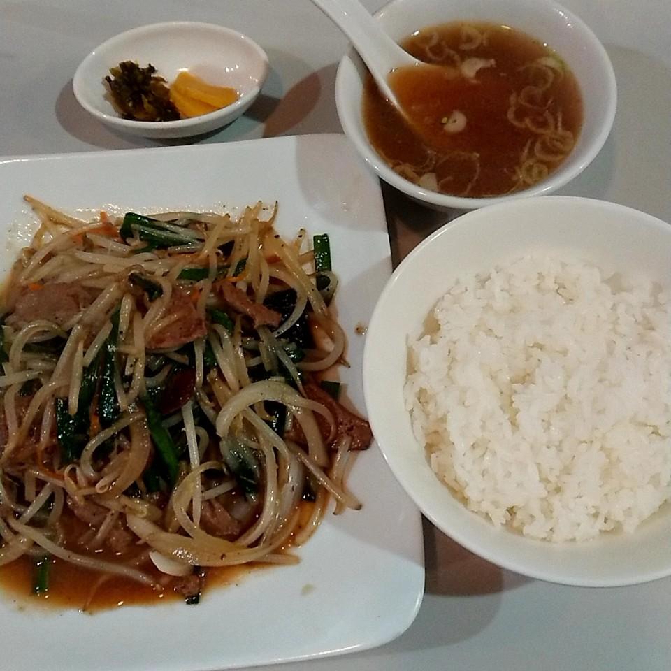 広東料理 楽々亭