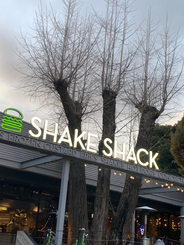 SHAKE SHACK外苑いちょう並木(シェイクシャック)の口コミ