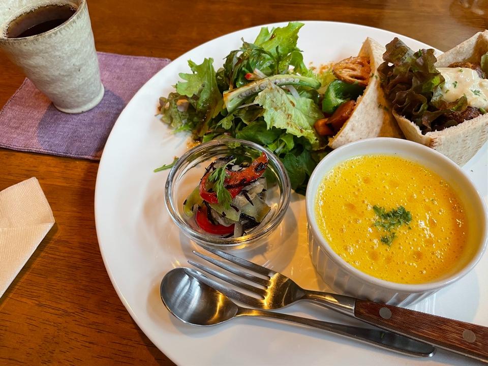 Natural Food Cafe Con Brio