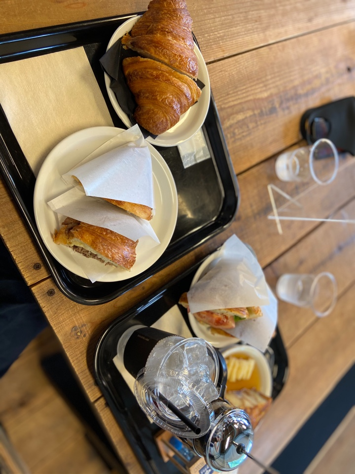 ゼブラ コーヒーアンドクロワッサン 津久井本店 (ZEBRA Coffee & Croissant)