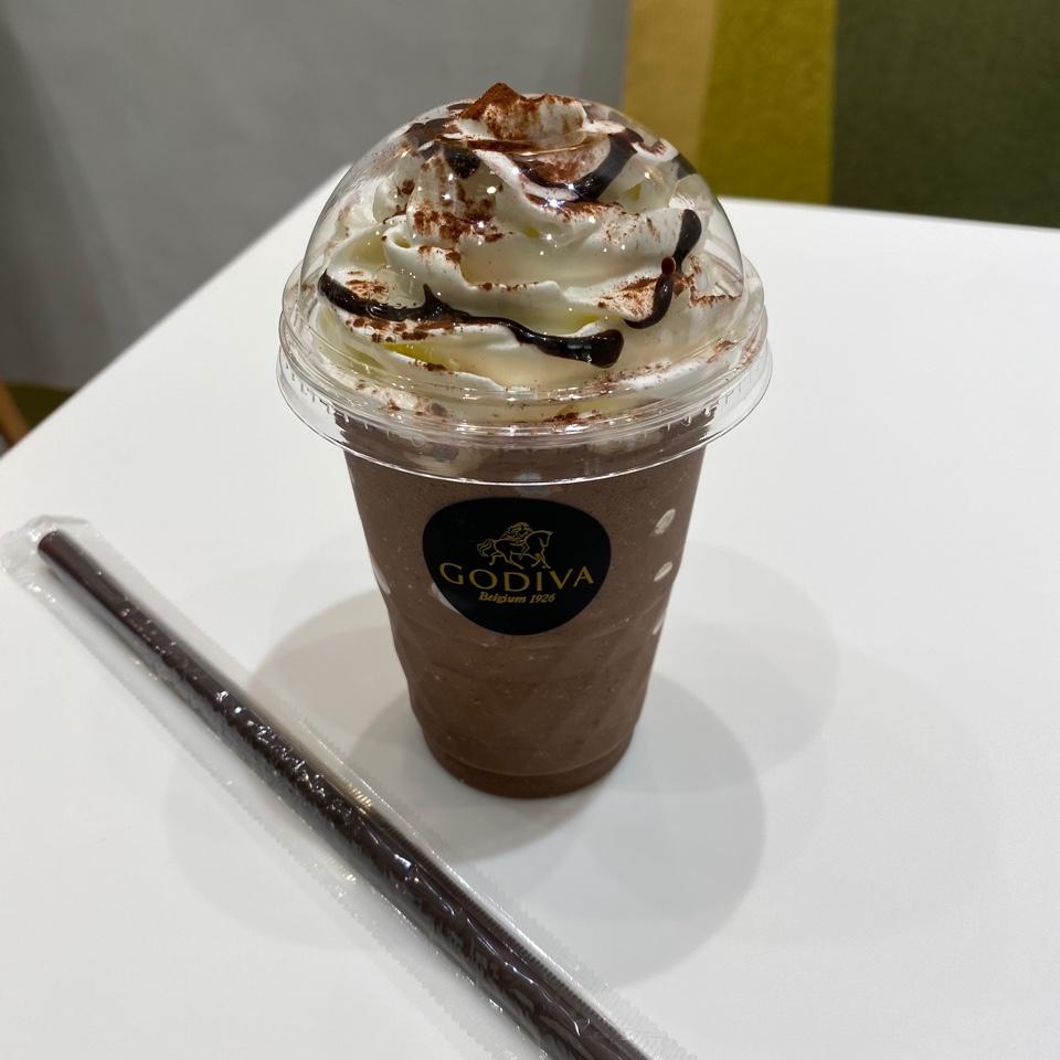 ゴディバ  エミフルMASAKI店