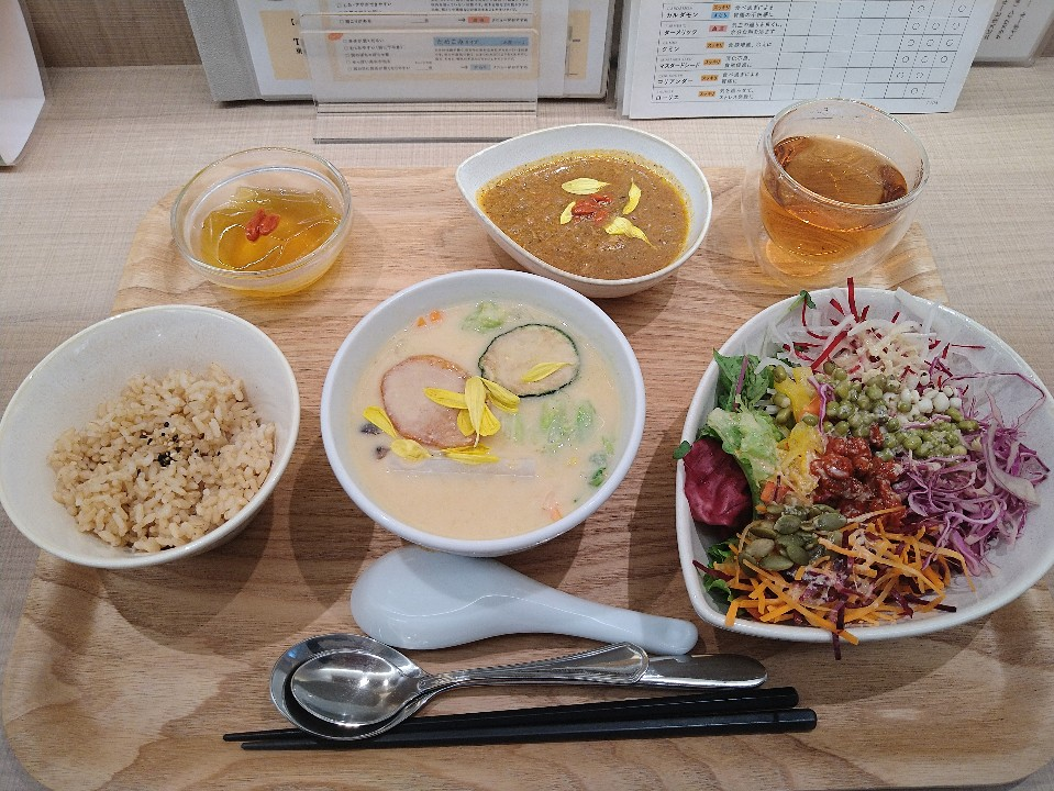 薬膳レストラン10ZEN青山店