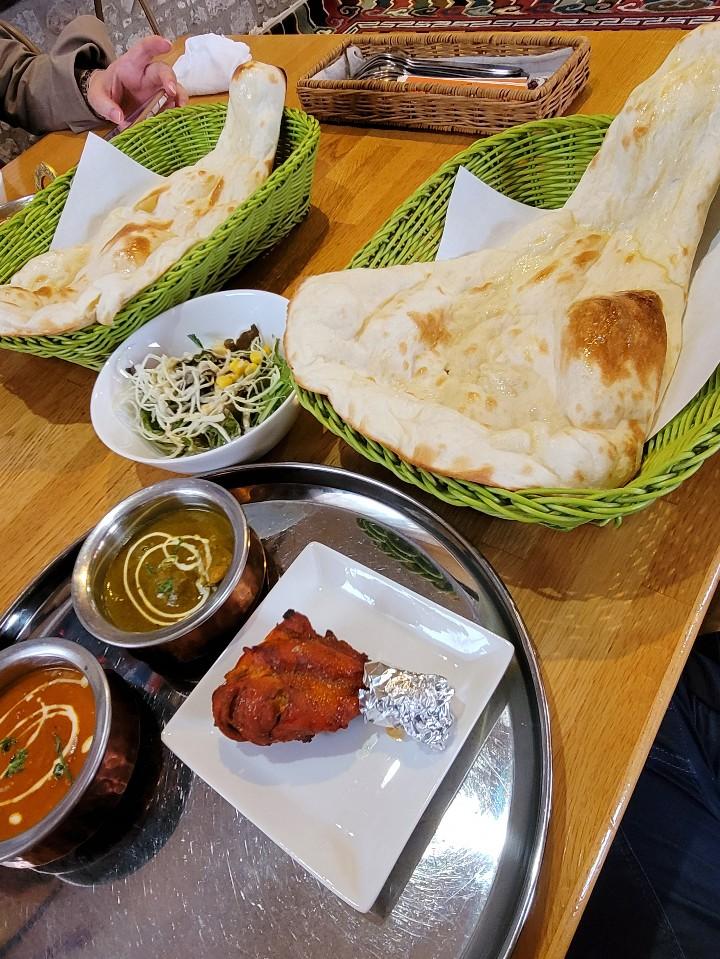 ネパールダイニングカフェ ムナール 社店