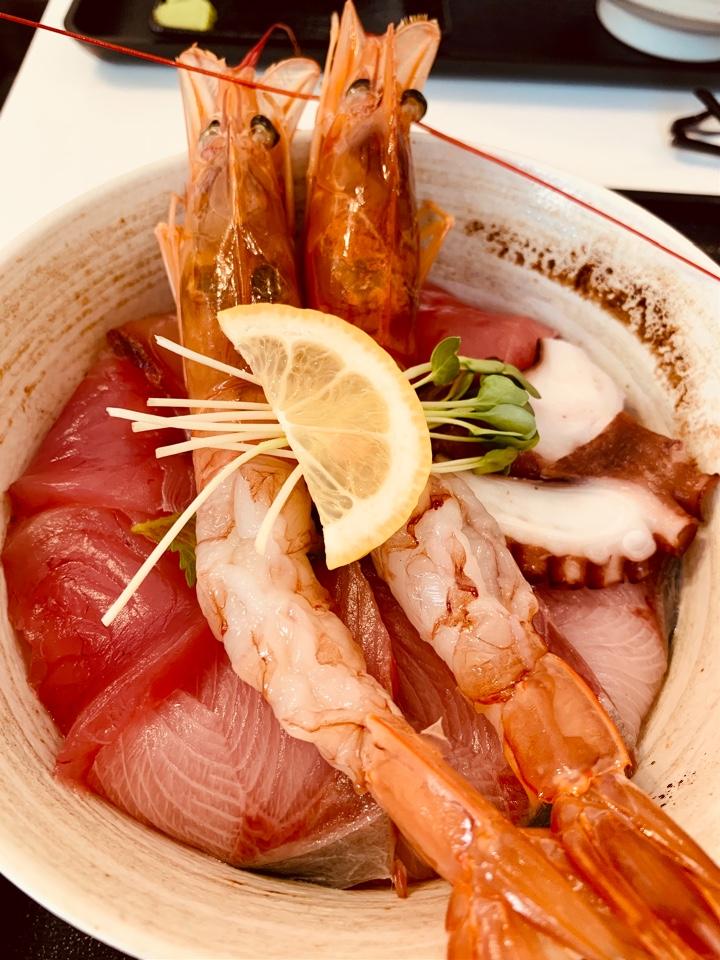 魚屋食堂 勝浦