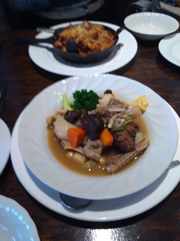 フランス地方料理レストランMOMOKA