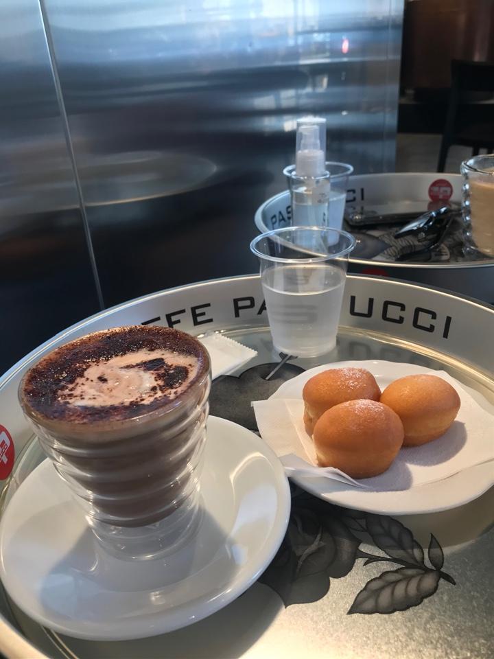 カフェ・パスクッチ(Caffè Pascucci)麹町店