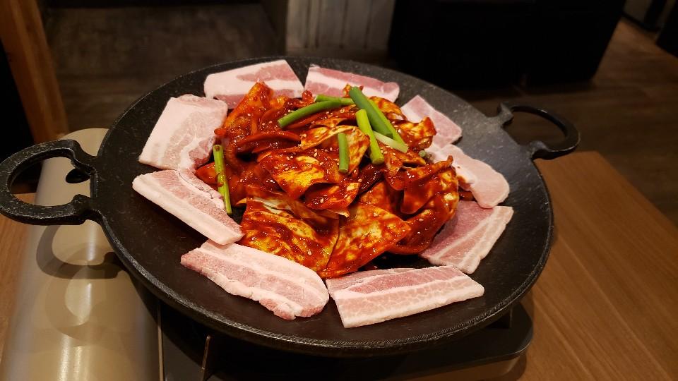 韓国料理 炭火焼肉 Kollabo 新大久保店