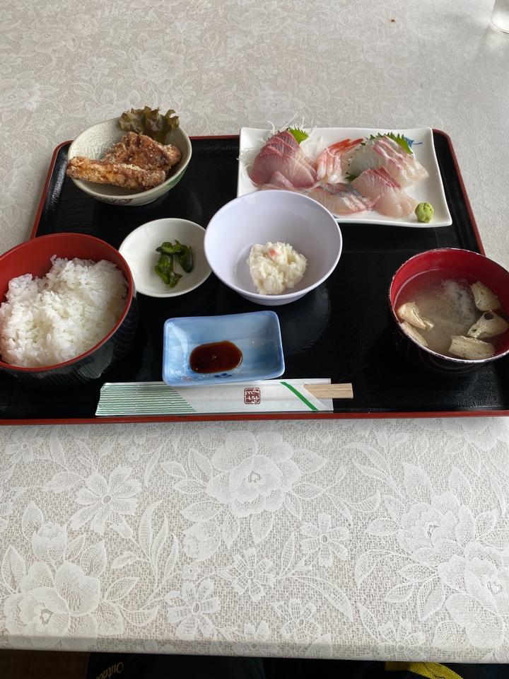 海鮮味処 魚島食堂