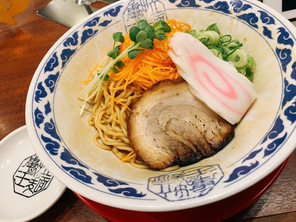 九州らーめん亀王 名谷店