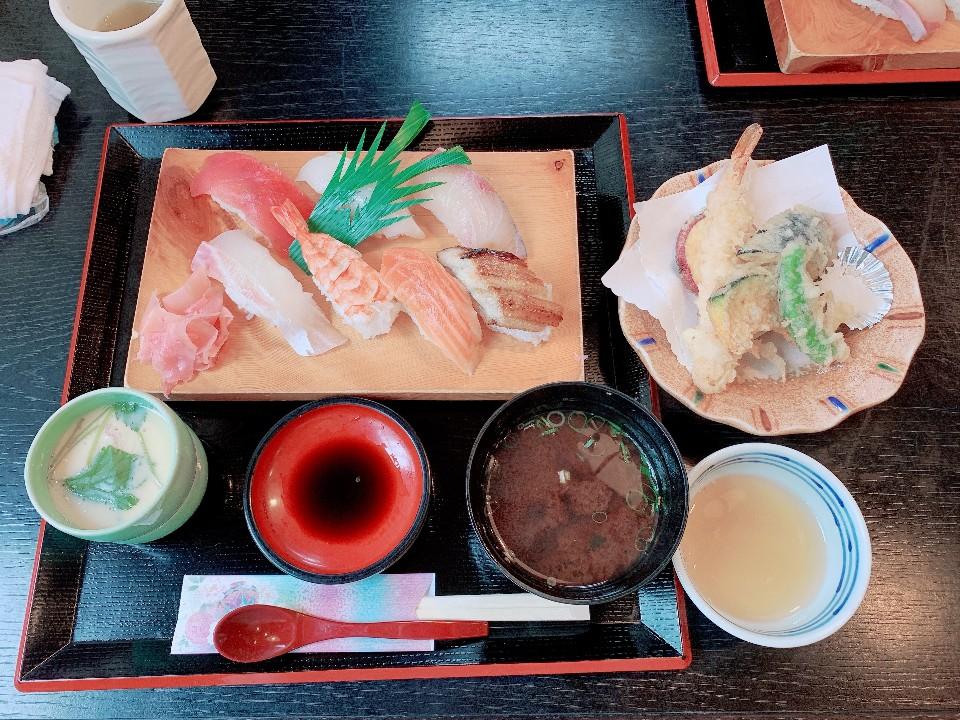 割烹・寿司 塩谷