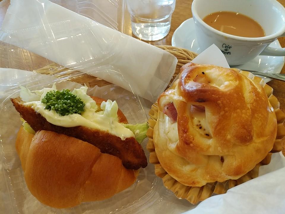 手作りパンとコーヒーの店MON