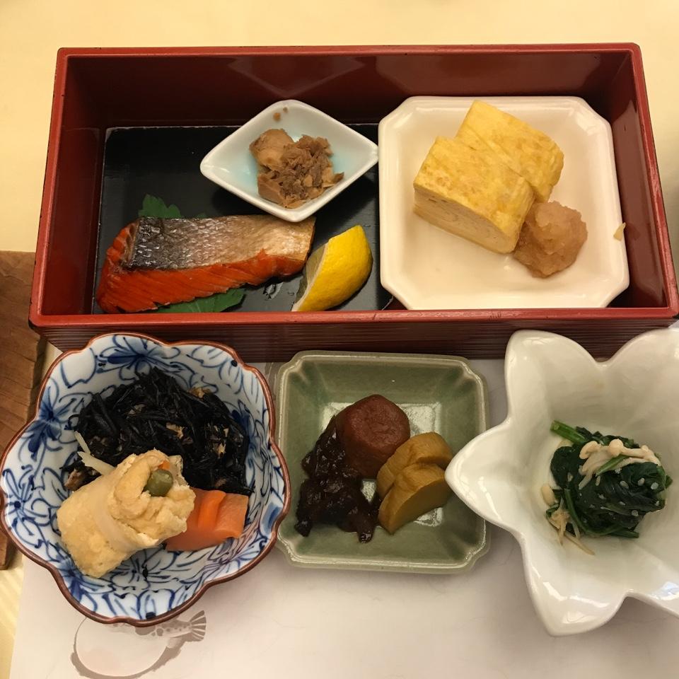 日本料理 弓張月