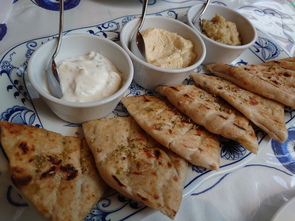 ギリシャ料理 taberna ミリュウ