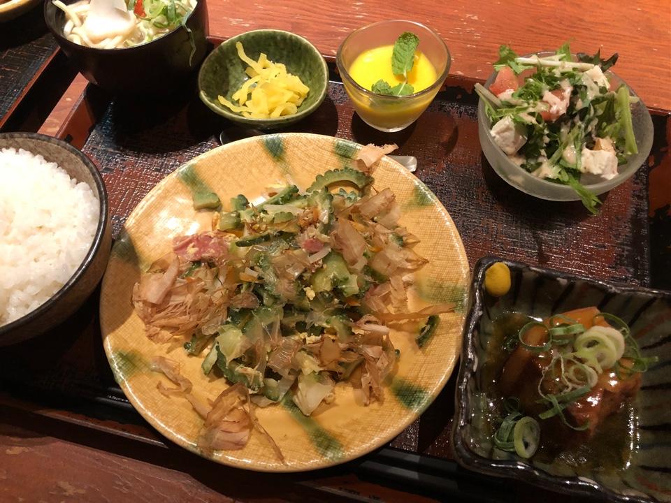 沖縄家庭料理と泡盛 島ぬ風