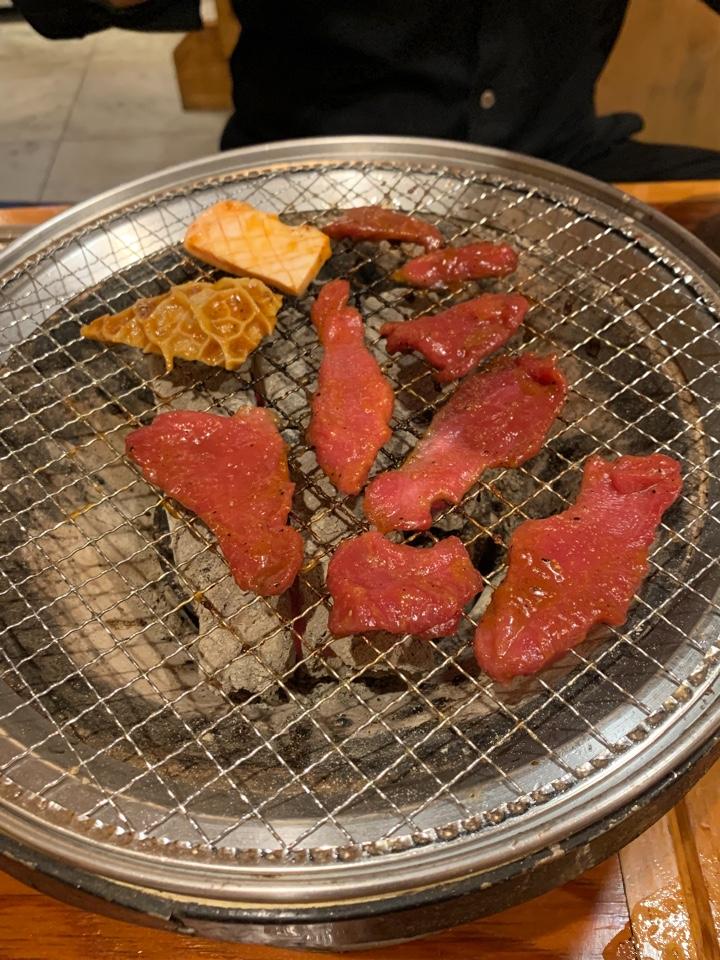 焼肉UMAMI 三鷹駅前店