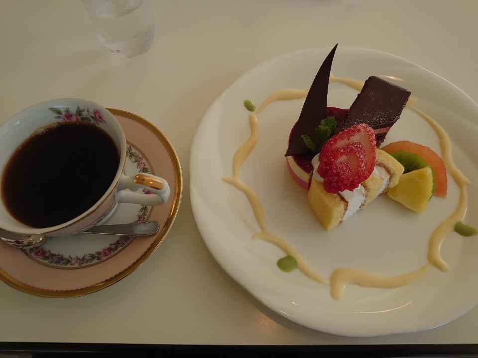 洋菓子+α 「モントローネ」の口コミ
